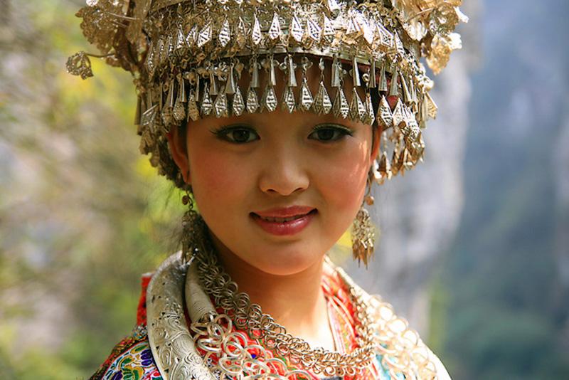 湘西苗族人與銀飾品