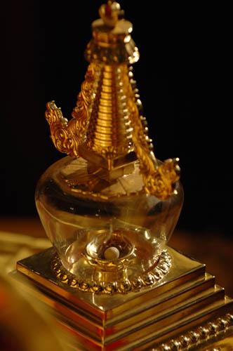 張家界天門山寺上空驚現雲中佛祖聖像