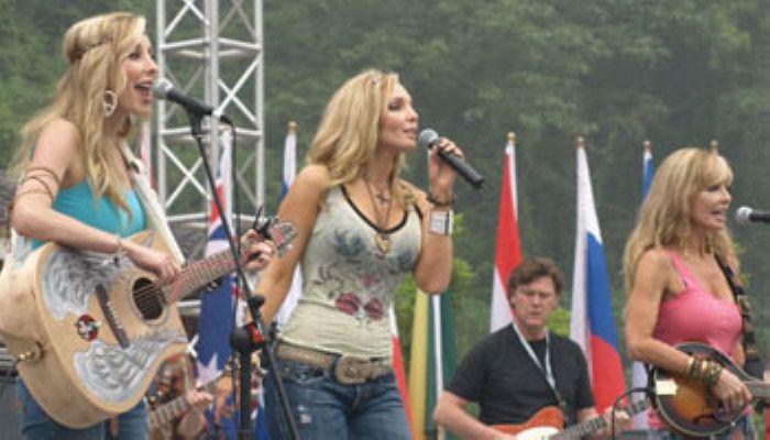 23個國家和地區25支樂隊共聚張家界國際鄉村音樂周
